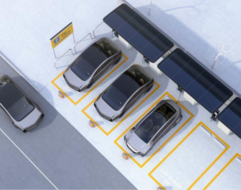 auto elettriche alimentate da batterie ricaricate dal fotovoltaico