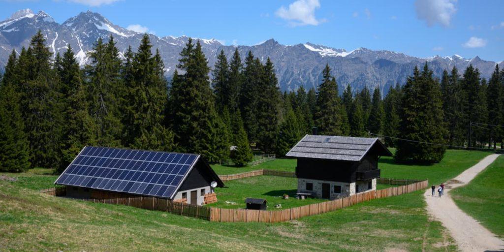 Casa in montagna con impianto fotovoltaico stand alone