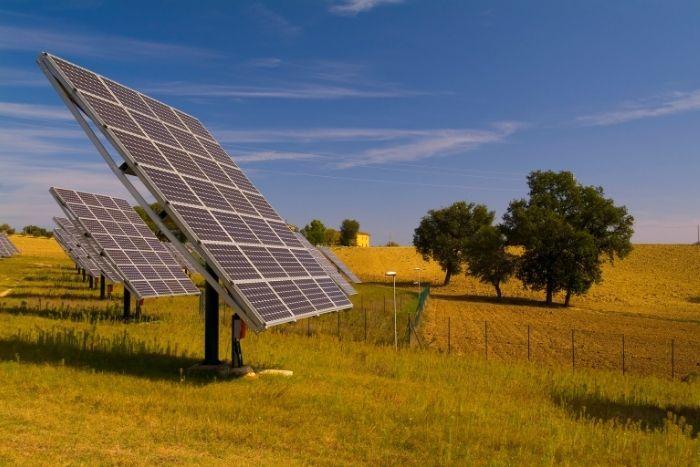 gli inseguitori solari possono aumentare la produzione da fotovoltaico