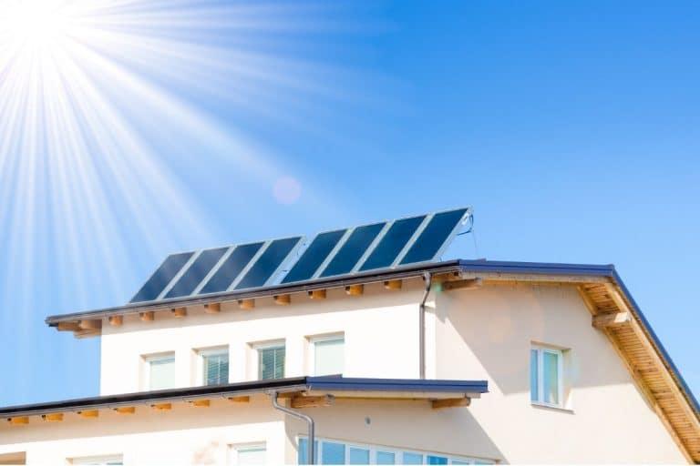 il fotovoltaico in Lombardia viene installato in molte ville singole e condomini