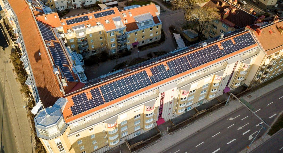 i condomini potranno sfruttare le comunità energetiche per condividere l'autoconsumo da energia fotovoltaica