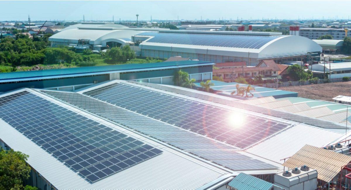 fotovoltaico su capannone industriale ottenuto grazie agli incentivi nel 2020